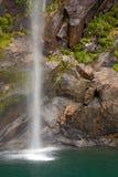 Vattenfall på Milford Sound New Zealand royaltyfria bilder