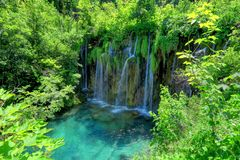 Vattenfall på nationalparken för sjöar för Kroatien` s Plitvice Arkivfoton