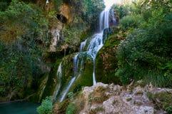 Vattenfall på Orbaneja del Castillo arkivbild