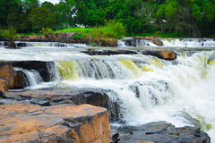 Vattenfall på Phitsanulok Thailand Arkivfoto