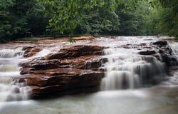 Vattenfall på Muddy Creek nära Albright WV Royaltyfria Foton