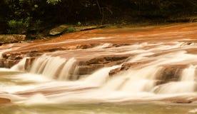 Vattenfall på Muddy Creek nära Albright WV Arkivbild