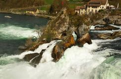 Vattenfall Rheinfall i Schweiz Royaltyfri Fotografi