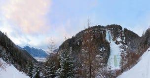 Vattenfall Stuibenfall på Umhausen - Tirol Österrike Arkivfoto