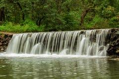 Vattenfall - tapet Royaltyfri Fotografi