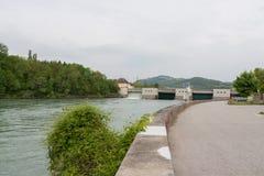 Vattenfall - vatten - flod - damm - vattenkraft Royaltyfri Fotografi