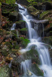 Vattenfallbubbelpooler royaltyfria bilder