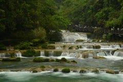 Vattenfallet för 68 nivå i litet Sju-hål det sceniska området Royaltyfria Bilder