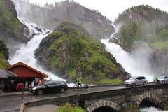 Vattenfallet Langfoss i Norge, Skandinavien, Europa Arkivfoto