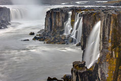 Vattenfallet Selfoss i Island Arkivbild