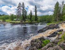 VattenfallflodTokhmayoki (Ruskeala) bästa sikt Royaltyfri Foto