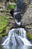Vattenfallklyfta och pöl arkivfoton