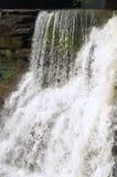 vattenfallwhite Arkivfoto