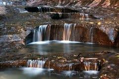 Vattenflöde i kanjonland Fotografering för Bildbyråer