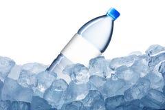 Vattenflaska och iskub Royaltyfria Foton