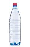 Vattenflaska som isoleras på viten Royaltyfri Foto
