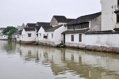 Vattengränd på suzhou Arkivbilder