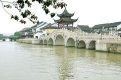 Vattengränd på suzhou Royaltyfria Bilder
