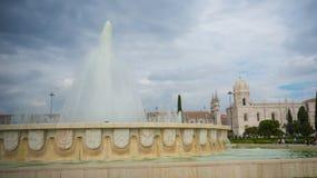 Vattenkälla av Lissabon Portugal royaltyfri bild