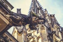 Vattenkastare på St Vitus Cathedral Arkivbild