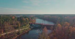 Vattenkraftstation med en höjd arkivfilmer