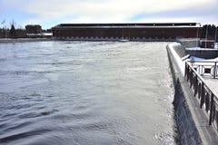 Vattenkraftväxt i vinter i Finland, Imatra arkivfoton