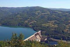 Vattenkraftväxt på floden Royaltyfria Bilder