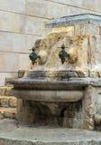 Vattenkran Placa de Santiago Rusinol Tarragona för antik gata Royaltyfria Foton
