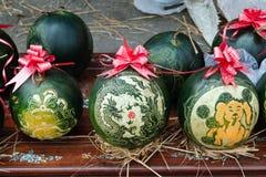 Vattenmelon med festlig gravyr på helgdagsafton av det vietnamesiska nya året Ton Vietnam fotografering för bildbyråer