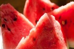 Vattenmelonskivor Moget frö av granatäpplet Arkivbild