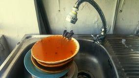 Vattenpost för vaskklappvattenkran arkivbilder