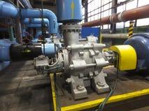 Vattenpump med stora elektriska motorer Fotografering för Bildbyråer