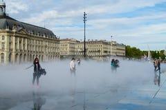 Vattenspegelfyrkant i Bordeaux, Frankrike Fotografering för Bildbyråer
