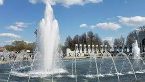 Vattenspringbrunn i Washington DC, USA stock video