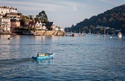 Vattentaxi Dartmouth Devon England Arkivbilder