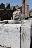 Vattentorn och offentlig vattenspringbrunn, Pompeii arkeologisk plats, nr Mount Vesuvius, Italien Fotografering för Bildbyråer