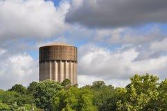 Vattentorn på en stormig dag Royaltyfria Bilder