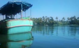 Vattentransport av Indien 3 arkivfoton