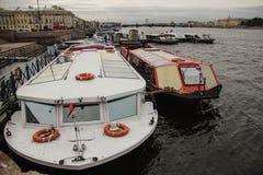 Vattentransport St Petersburg Fotografering för Bildbyråer