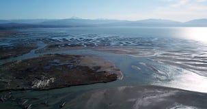 Vattnet för Nooksack flodavrinning från kaskadområdet ut till Puget Sound arkivfilmer