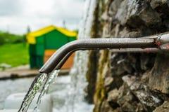 Vattnet från jordningen arkivfoton