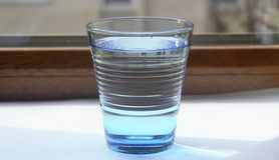 Vattnet i blåtten glass3 Royaltyfria Foton
