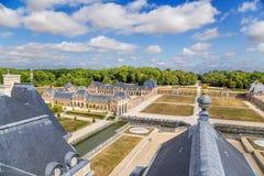 Vaux-le-Vicomte, Frankrijk Fragment van de manor en het dak van het hoofdgebouw Stock Foto