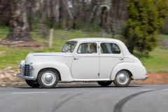1951年Vauxhall双足飞龙轿车 免版税库存图片