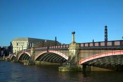桥梁伦敦vauxhall 库存照片