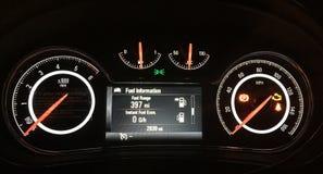 Vauxhall-insignessnelheidsmeter Stock Afbeelding