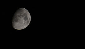 Vaxa månen med stjärnor Arkivfoton