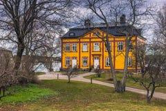 Vaxholm - 2017年4月07日:私人住宅在Vaxholm,瑞典 图库摄影