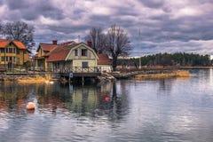 Vaxholm - 2017年4月07日:Vaxholm, Swed镇的全景  免版税库存照片