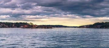 Vaxholm, Kwiecień - 07, 2017: Panorama Sztokholm archipelag Zdjęcia Stock